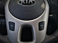 Kia-Venga-12